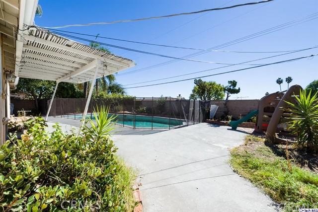16446 Armstead Street, Granada Hills CA: http://media.crmls.org/medias/b3328052-bf4d-498a-a50d-c55905da37c4.jpg