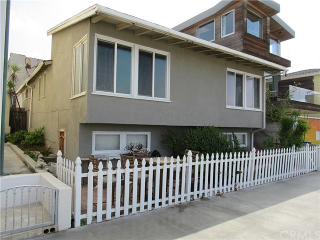 Single Family Home for Sale at 2416 The Strand Manhattan Beach, California 90266 United States