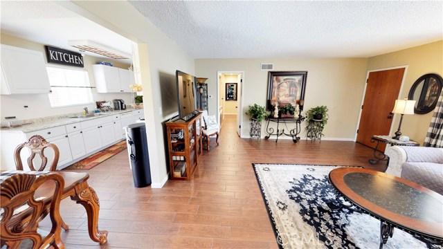 7712 Bayberry Avenue, Riverside CA: http://media.crmls.org/medias/b345fa54-a885-4fc0-8737-dd63350ae5ed.jpg
