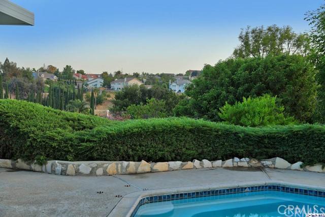 17622 Arvida Drive, Granada Hills CA: http://media.crmls.org/medias/b35b81d8-b788-4274-a5f2-7f357cbf1b97.jpg