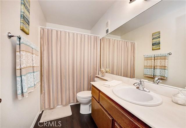 24961 Hon Avenue, Laguna Hills CA: http://media.crmls.org/medias/b3770639-edf8-4e6c-ae23-fe6c27745dd3.jpg