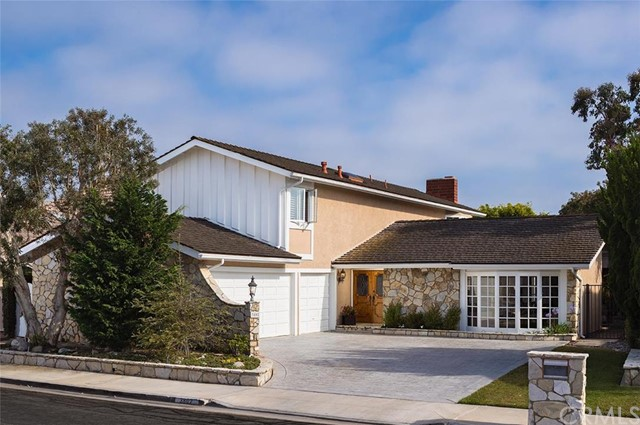 Single Family Home for Sale at 3802 Seascape Huntington Beach, California 92649 United States