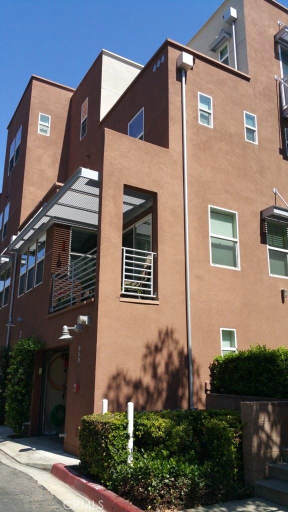 450 E Jeanette Lane, Santa Ana CA: http://media.crmls.org/medias/b3893e28-5366-445d-b124-862e32ad006b.jpg