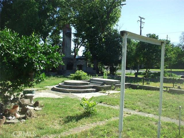 65 Chestnut Avenue, Red Bluff CA: http://media.crmls.org/medias/b390b75e-6864-4cf7-a52c-b8faf72d214f.jpg