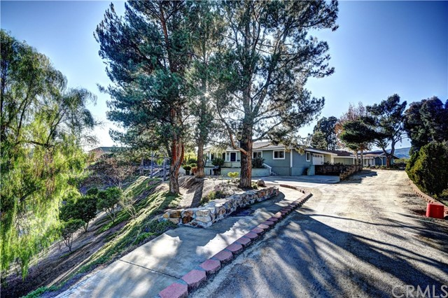 Single Family Home for Sale at 32201 Windsong Lane Wildomar, California 92595 United States