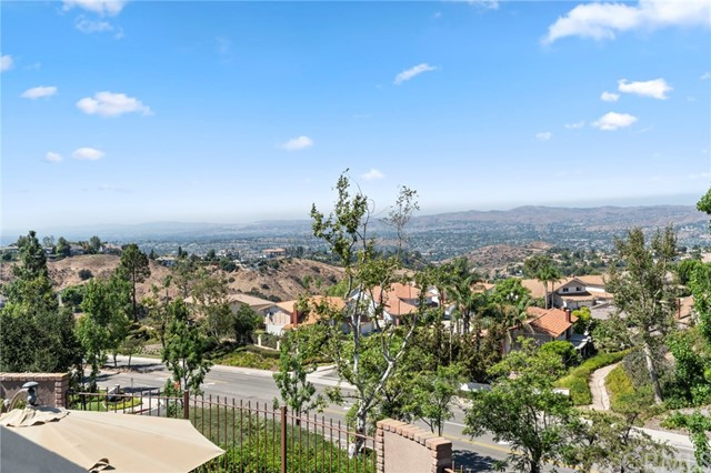 Photo of 890 S Bluebird Circle, Anaheim Hills, CA 92807