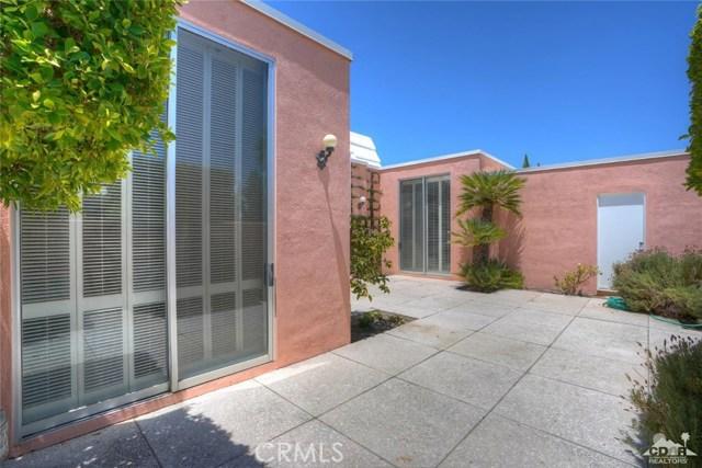47043 Arcadia Lane, Palm Desert CA: http://media.crmls.org/medias/b39f87b5-345f-4005-a09d-7adfc18f846e.jpg