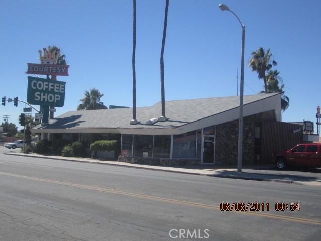 800 W Hobsonway, Blythe CA: http://media.crmls.org/medias/b3ac49fb-6bef-42c9-83e7-1d39055ca3c5.jpg