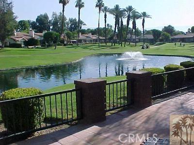 304 Castellana, Palm Desert CA: http://media.crmls.org/medias/b3aff6b8-ebc9-4684-94ca-99acdde31e8c.jpg