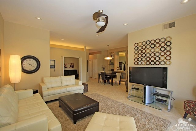 75 Augusta Drive, Rancho Mirage CA: http://media.crmls.org/medias/b3b7f099-e383-4c1b-b690-3910f991d8d5.jpg