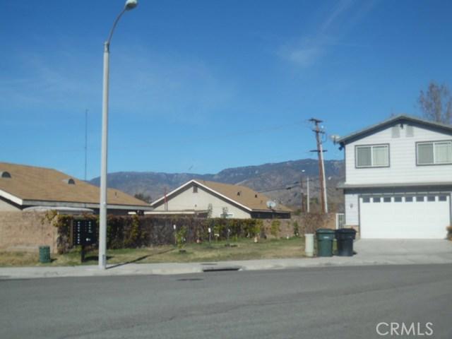 26172 Barnes Court, Highland CA: http://media.crmls.org/medias/b3c4b703-46d1-496e-83c3-3c31eac9650f.jpg