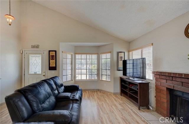 8373 9th Street, Rancho Cucamonga CA: http://media.crmls.org/medias/b3c6f1da-0c53-400b-9471-d7cc65223e72.jpg