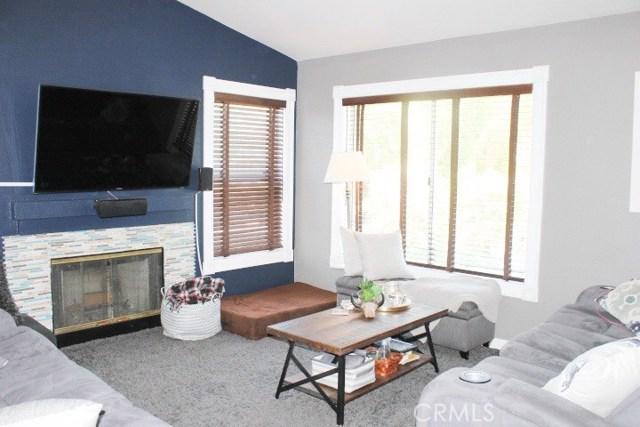 752 View Lane, Corona CA: http://media.crmls.org/medias/b3cd255c-31ef-4320-927e-15b1585c8a67.jpg