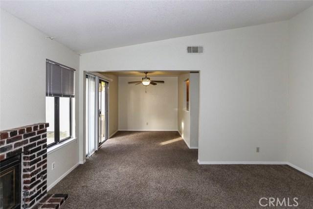 3051 Colony Park, Merced CA: http://media.crmls.org/medias/b3cda5fc-66dd-4841-a750-ebf58596ad31.jpg