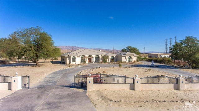 Single Family Home for Sale at 30910 Via Las Palmas 30910 Via Las Palmas Thousand Palms, California 92276 United States