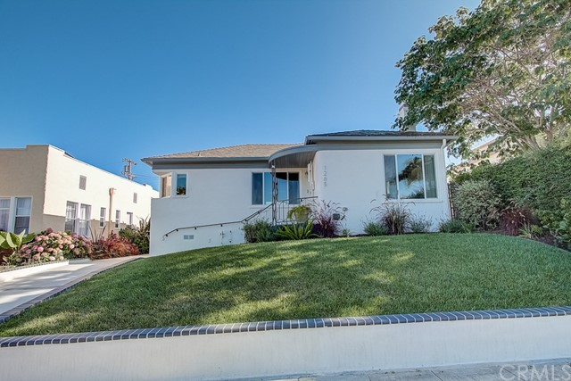1265 14th Street, San Pedro, California 90731, 4 Bedrooms Bedrooms, ,2 BathroomsBathrooms,Single family residence,For Sale,14th,SB19202556
