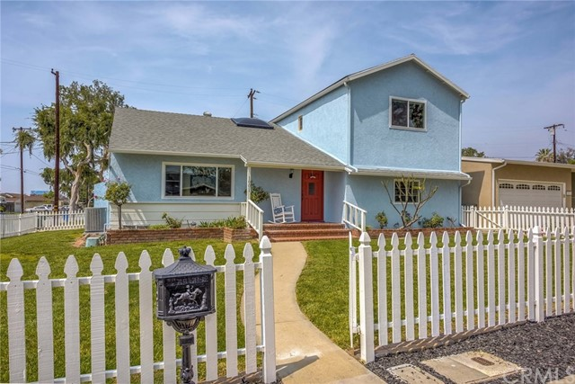 1001 Vernon Street, La Habra CA: http://media.crmls.org/medias/b3ef0841-aa7a-4ddb-9b83-dffdd608f62c.jpg