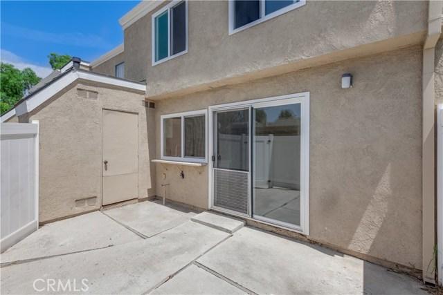 6 Montgomery, Irvine CA: http://media.crmls.org/medias/b3f39a9c-8ee6-4994-a316-58fe1d89f1a1.jpg