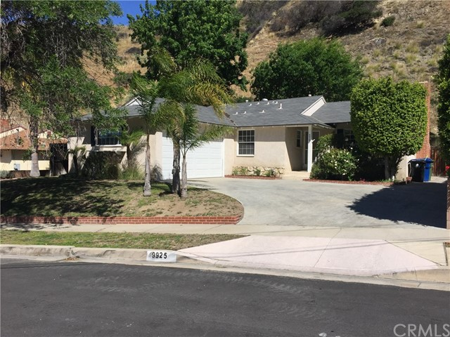 Single Family Home for Rent at 9925 Roscoe Boulevard Sun Valley, California 91352 United States
