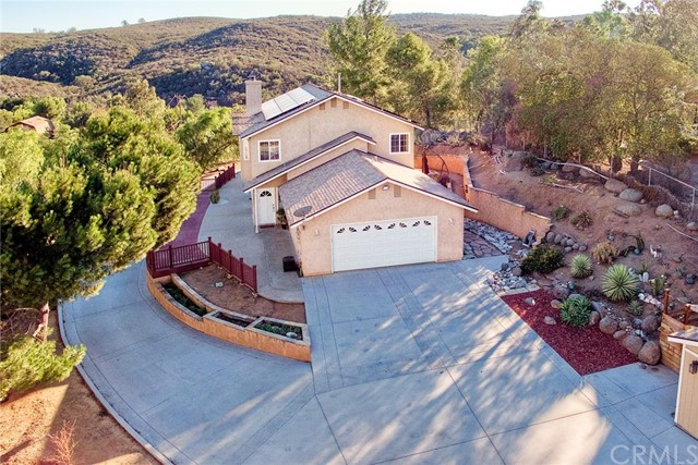 1737 Weekend Villa Road, Ramona, CA 92065