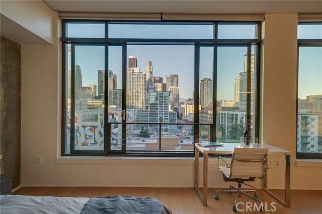 1111 S Grand Avenue, Los Angeles CA: http://media.crmls.org/medias/b40dede2-84a1-4111-81cc-a9f9a1d65ede.jpg
