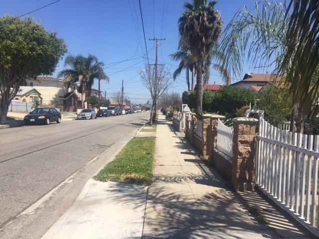 11524 Truro Avenue, Hawthorne CA: http://media.crmls.org/medias/b41eafee-1040-4b80-b4f5-70b86da81b80.jpg