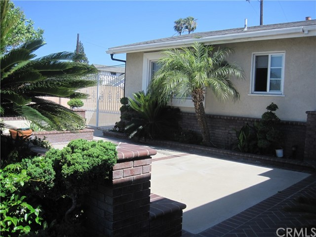 1402 W Apollo Av, Anaheim, CA 92802 Photo 2