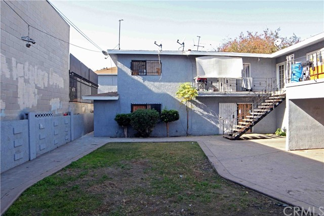 1714 E San Luis Street, Los Angeles, California 90221, ,COMMERCIAL,For sale,San Luis,TR20254600