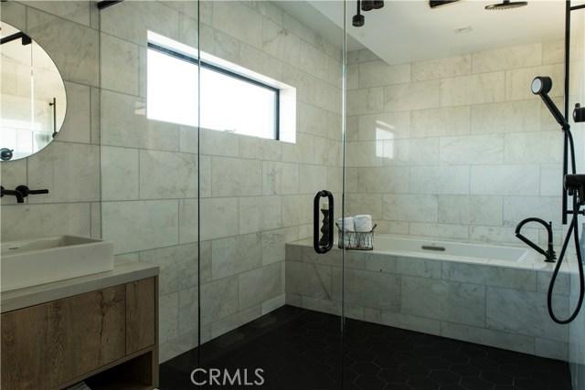 2478 1/2 Penmar Avenue, Venice CA: http://media.crmls.org/medias/b43698d8-9b88-46f9-8bfa-b689c6f0aa25.jpg