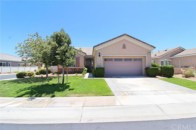 19441 Royal Oaks Road, Apple Valley CA: http://media.crmls.org/medias/b4450a42-339f-47fc-a588-36756b2df8c4.jpg