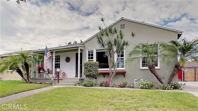 5207 Fidler Avenue, Lakewood CA: http://media.crmls.org/medias/b456c534-40e0-4841-be2b-975b5c2f3bed.jpg