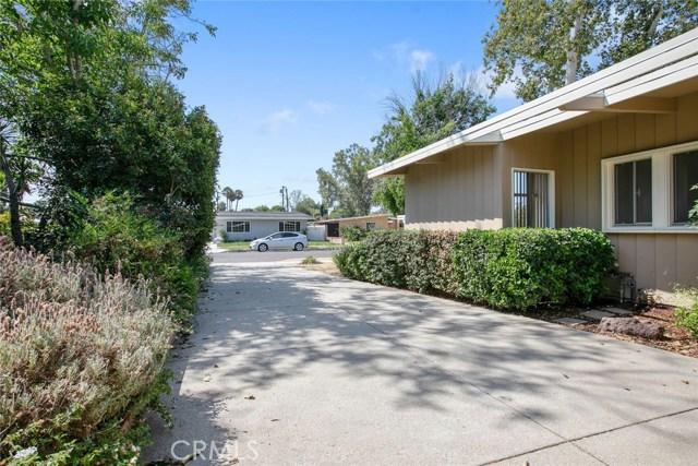 17949 Hatton Street, Reseda CA: http://media.crmls.org/medias/b458c675-e079-425e-8b7d-fcae935464e4.jpg