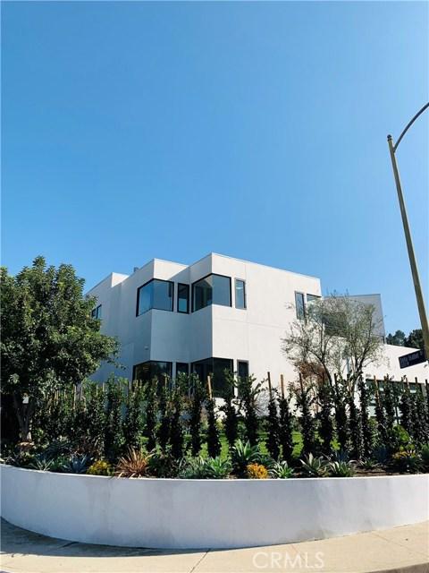 3020 Dona Emilia Drive, Studio City CA: http://media.crmls.org/medias/b4636ec5-7193-4ab8-b4e4-81ea651664c5.jpg