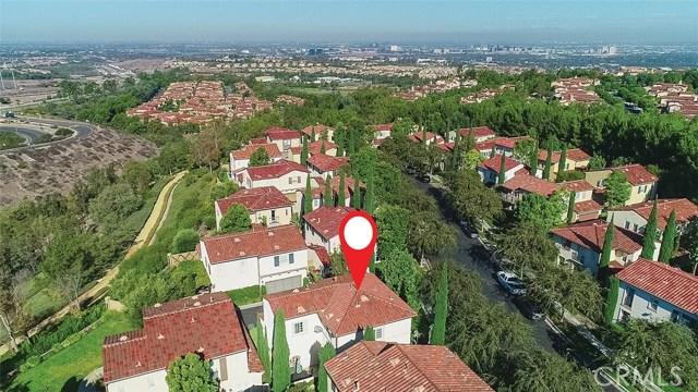 40 Gardenpath, Irvine CA: http://media.crmls.org/medias/b46f8533-74b2-48fe-bd60-fffd235d0342.jpg