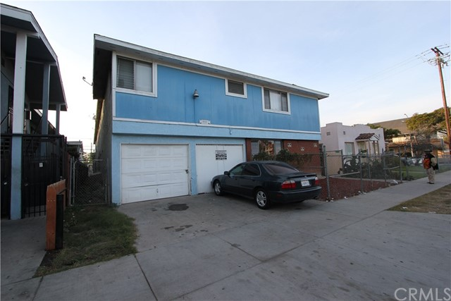 Commercial for Sale at 1633 Chestnut Avenue 1633 Chestnut Avenue Long Beach, California 90813 United States