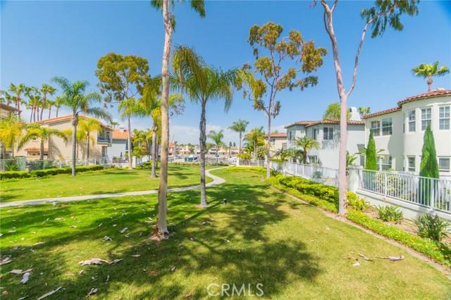 5941 Spinnaker Bay Drive, Long Beach CA: http://media.crmls.org/medias/b481555f-2ed1-489e-a210-bb5341c3b5a6.jpg