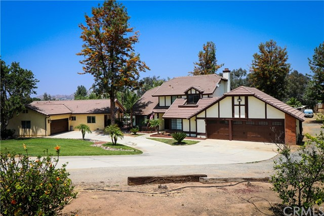 Photo of 18572 Chickory Drive, Riverside, CA 92504
