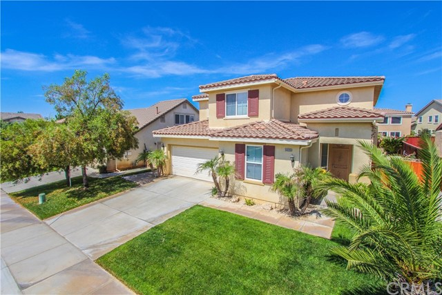 1415 White Cloud Lane, Beaumont CA: http://media.crmls.org/medias/b486b983-9260-4f7a-a454-ec3f1283dcb3.jpg