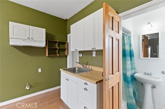 324 W Kendall Street, Corona CA: http://media.crmls.org/medias/b48d61cd-9744-401c-ab07-c39341ea3d65.jpg