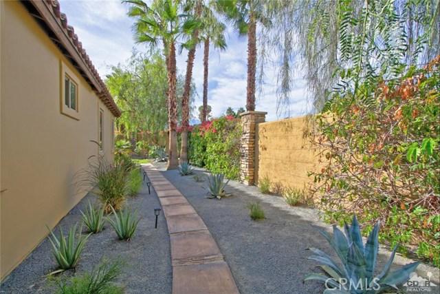 46180 Cypress Estates Court, Palm Desert CA: http://media.crmls.org/medias/b48eeb14-6ac2-4756-a352-4d299db410d2.jpg
