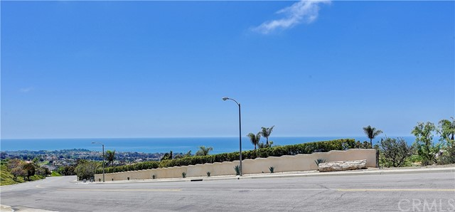501 Via Delfin, San Clemente CA: http://media.crmls.org/medias/b491afae-bb68-4809-ae88-811126f8f7a7.jpg