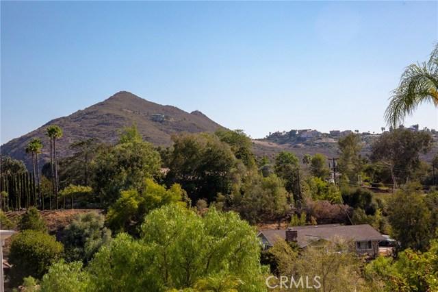 475 Camino Bailen Escondido, CA 92029