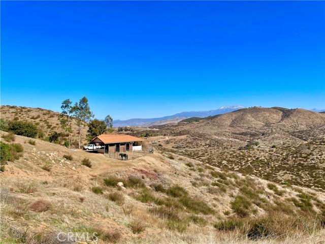 33800 Black Mountain Road, Temecula CA: http://media.crmls.org/medias/b499cc27-ec92-4081-88ca-3f01ba20e619.jpg