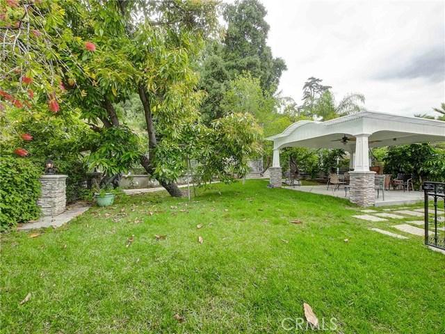 423 N Magnolia Avenue, Monrovia CA: http://media.crmls.org/medias/b49f031e-9ab2-4851-b653-df3959ba489b.jpg
