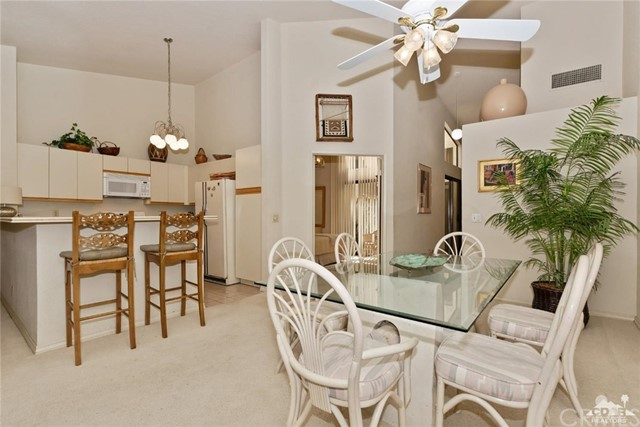 77626 Woodhaven Drive, Palm Desert CA: http://media.crmls.org/medias/b4a4c250-a71d-45ae-9c62-f5d1cc3b785c.jpg