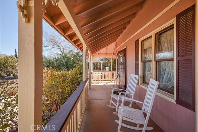 8804 Arrowhead Lake Road, Hesperia CA: http://media.crmls.org/medias/b4a5d1df-16f9-44a3-aa6b-51910a7f4a9f.jpg