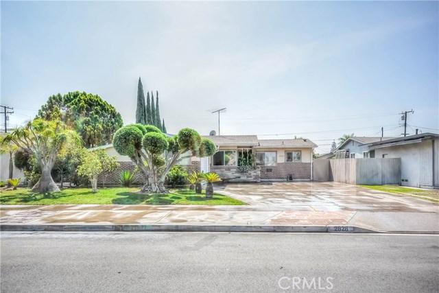 2828 W Devoy Dr, Anaheim, CA 92804 Photo 1