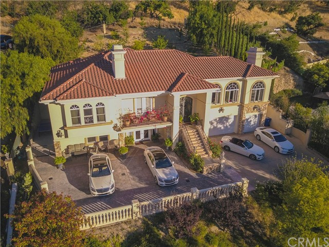 Single Family Home for Sale at 14888 Valley Vista Boulevard Sherman Oaks, California 91403 United States