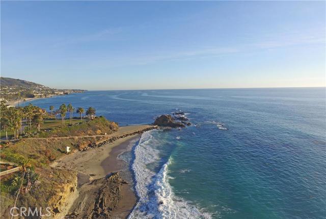21 BLUE LAGOON, Laguna Beach CA: http://media.crmls.org/medias/b4d1bbcd-7450-4fb3-a2b2-66c131d220c5.jpg