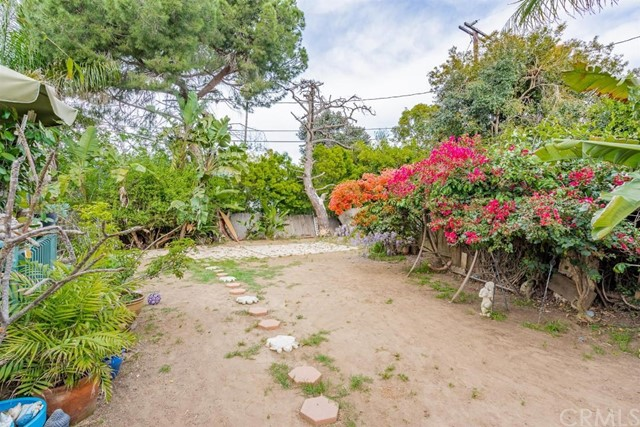 208 Susannah Place, Costa Mesa CA: http://media.crmls.org/medias/b4d87d00-736a-4e03-b8cc-3e12f480cfc2.jpg